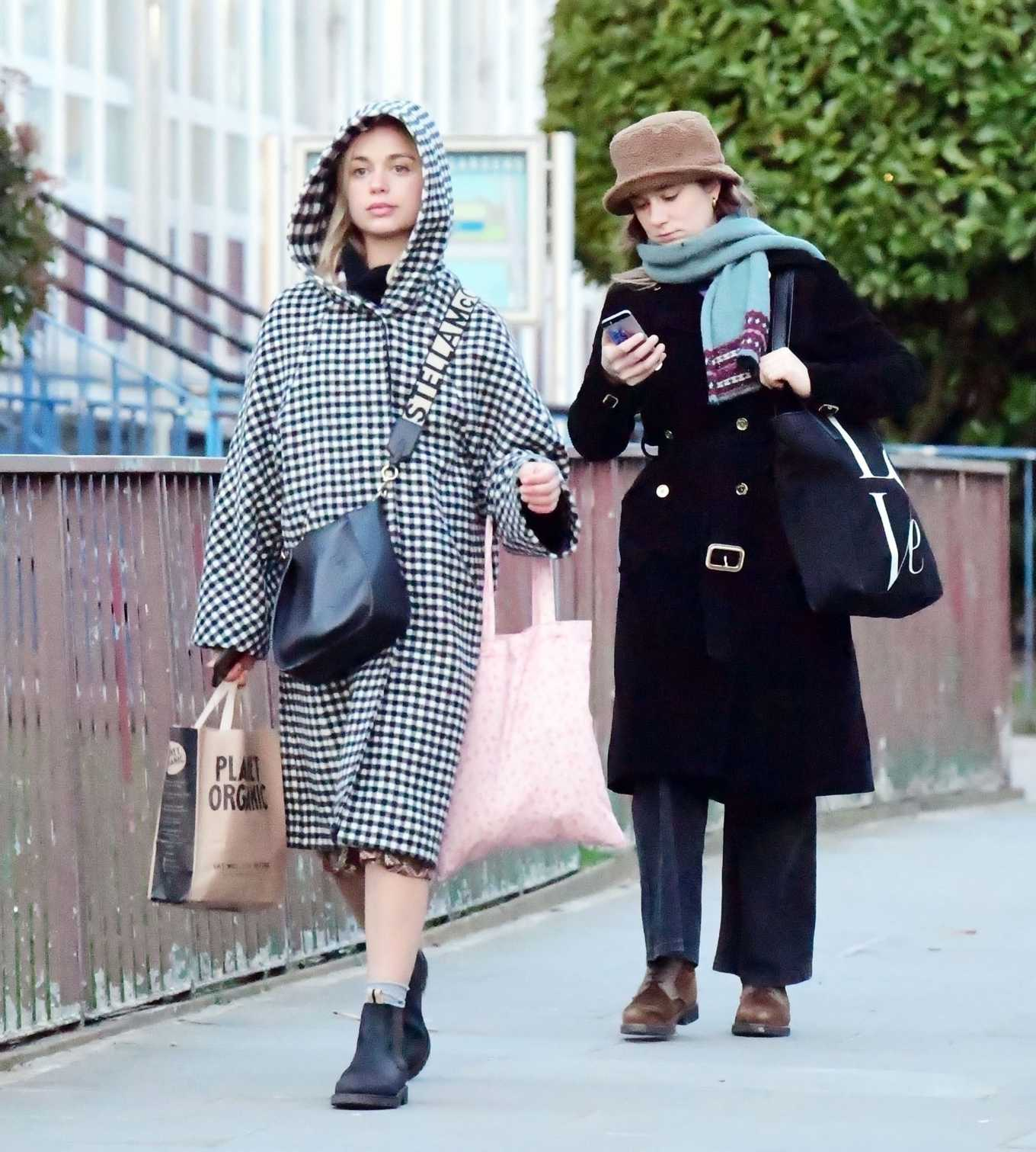 Amelia Windsor 2020 : Amelia Windsor – Looks stylis while out in the trendy area of Notting Hill-13