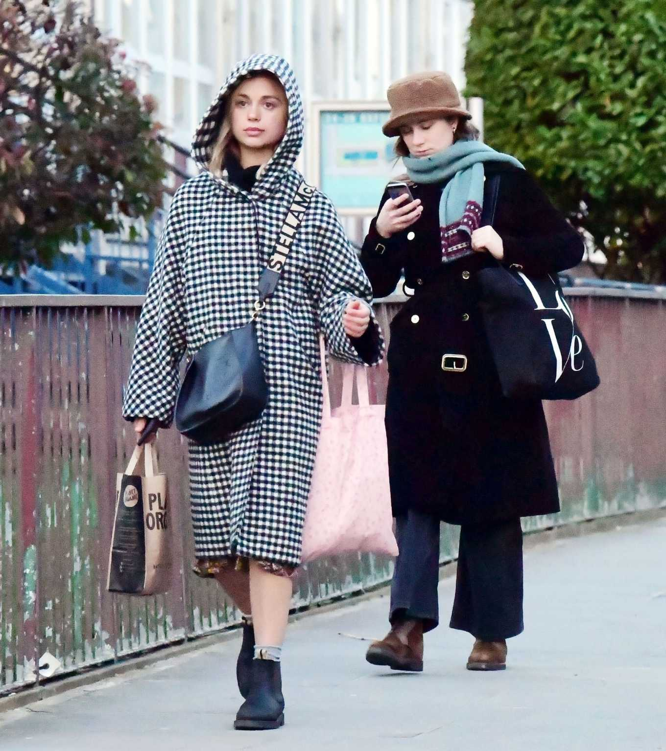 Amelia Windsor 2020 : Amelia Windsor – Looks stylis while out in the trendy area of Notting Hill-19