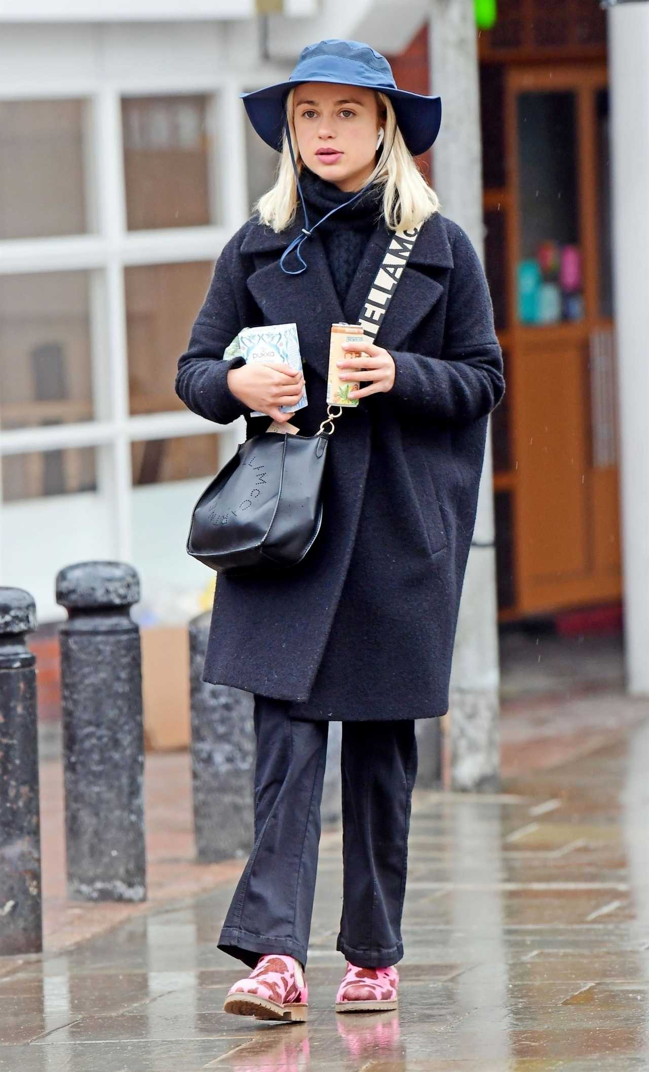 Amelia Windsor 2020 : Amelia Windsor out in London-09