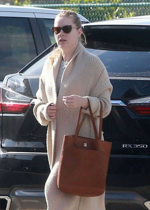 Amy Adams - an Office Building in Beverly Hills