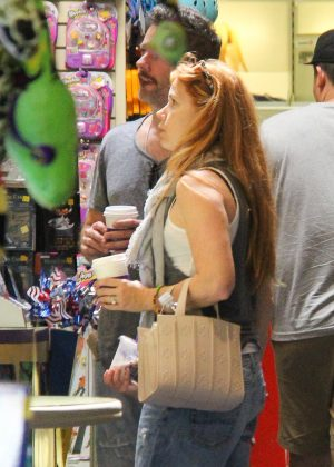 Amy Adams in jeans at toy store in Beverly Hills
