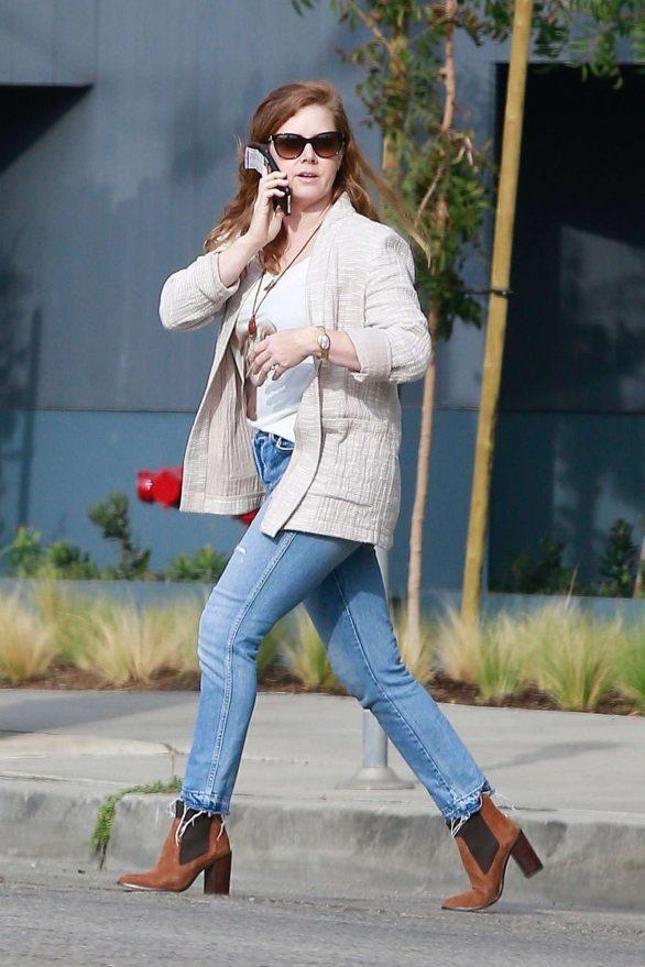 Amy Adams 2019 : Amy Adams – In jeans outside Ca Del Sole Restaurant in Toluca Lake-02