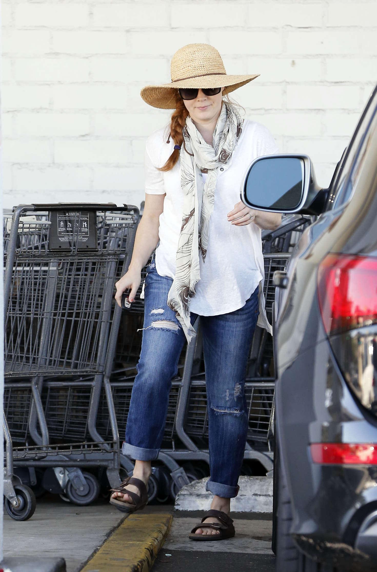 Amy Adams 2016 : Amy Adams in Jeans Shopping in LA -07