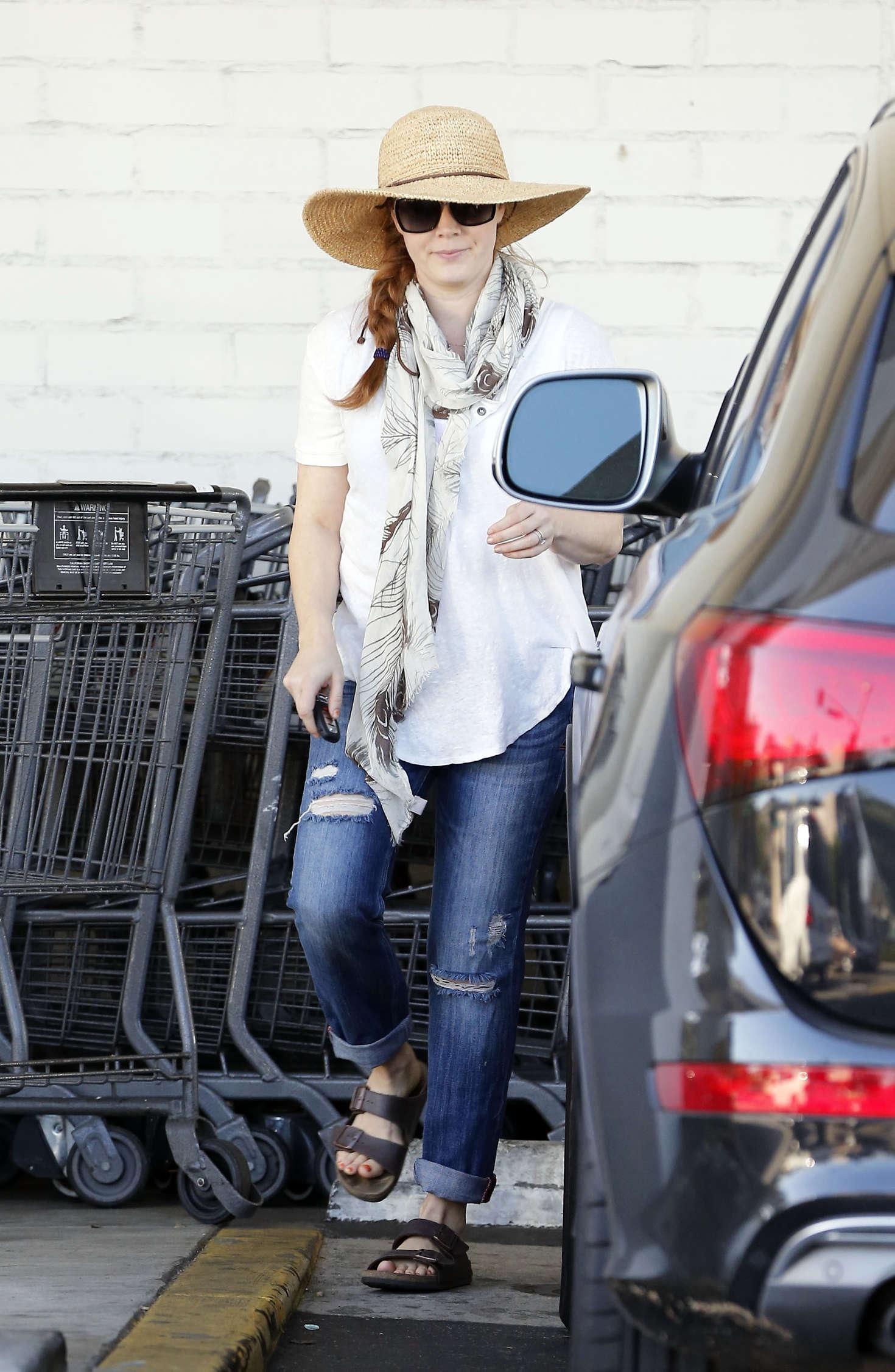 Amy Adams 2016 : Amy Adams in Jeans Shopping in LA -10