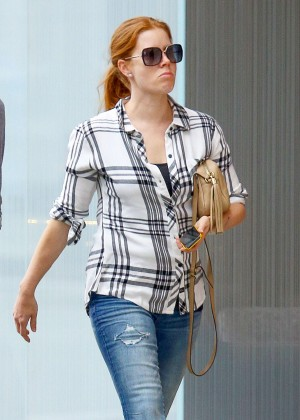 Amy Adams in Tight Jeans -08