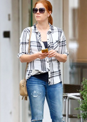 Amy Adams in Tight Jeans -11