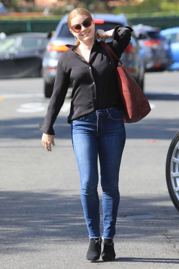 Amy Adams - Seen as she strolled down the street in Beverly Hills