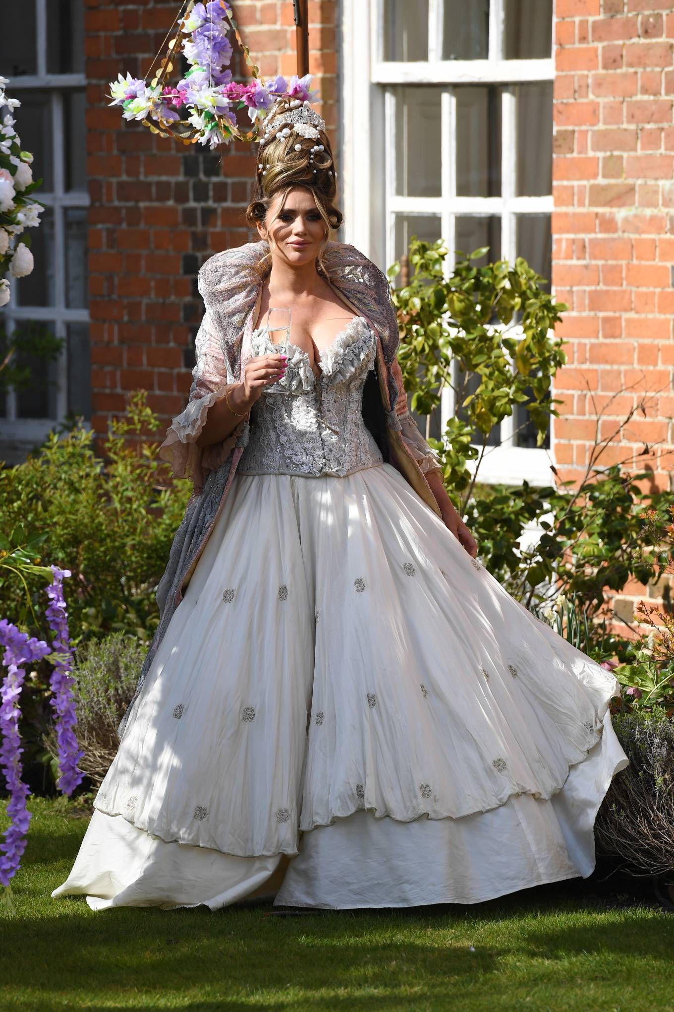 Amy Childs 2021 : Amy Childs – The Only Way is Essex TV Show filming – Bridgerton Special in Essex-03