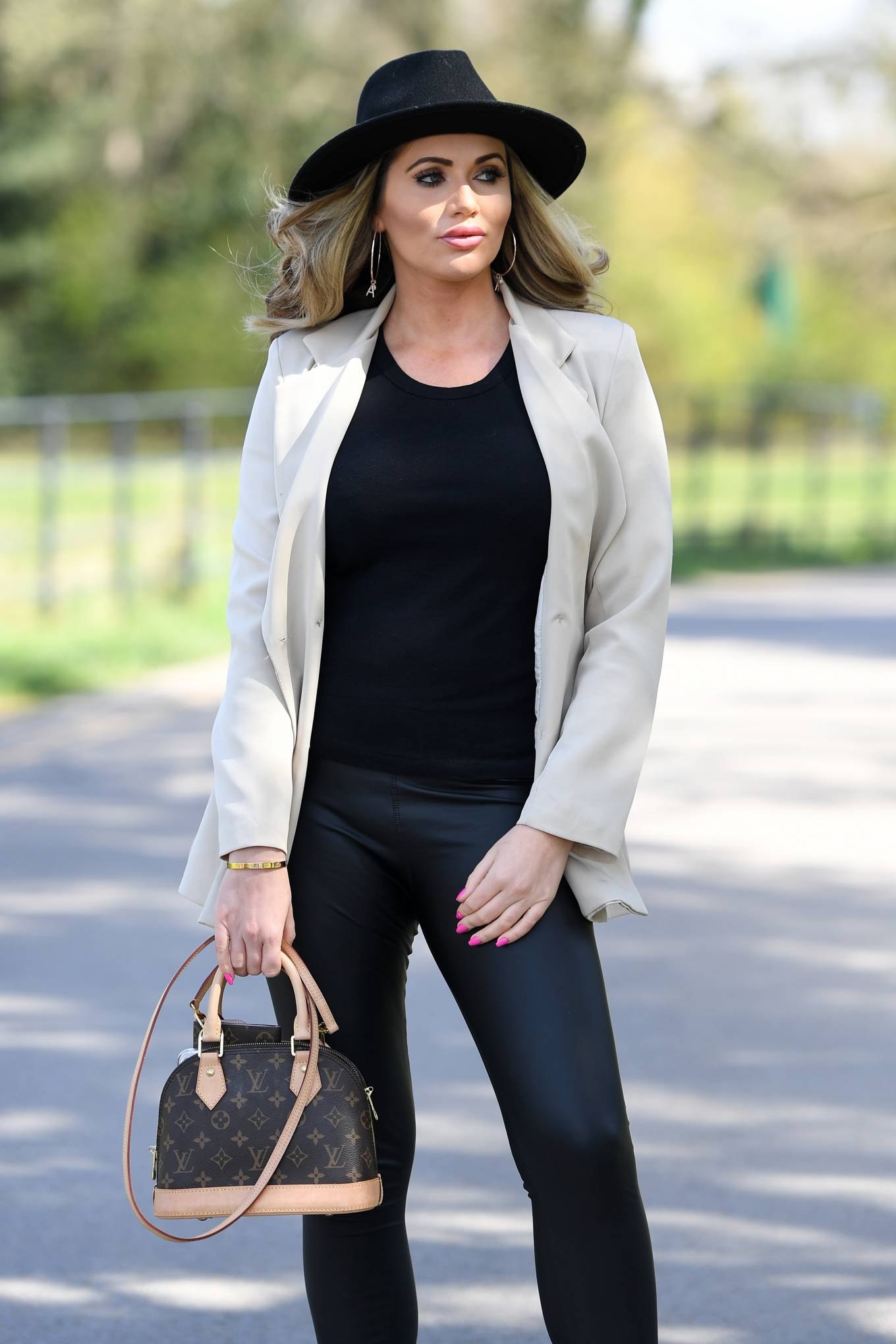 Amy Childs 2021 : Amy Childs – The Only Way is Essex TV Show filming in Essex-04