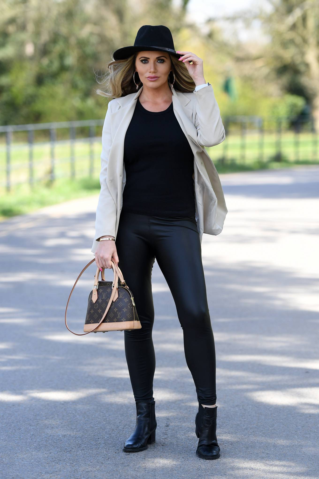 Amy Childs 2021 : Amy Childs – The Only Way is Essex TV Show filming in Essex-05