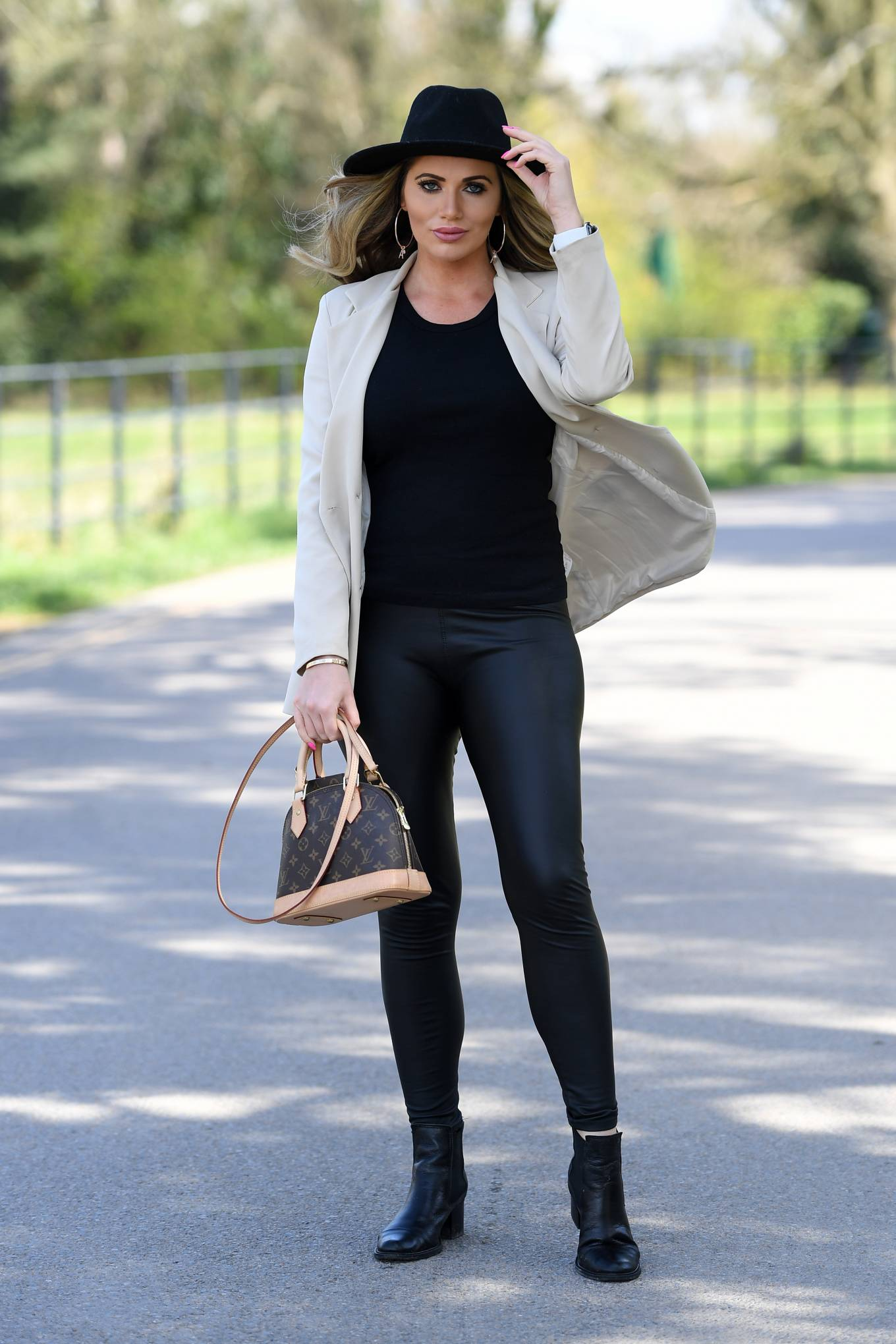 Amy Childs 2021 : Amy Childs – The Only Way is Essex TV Show filming in Essex-07
