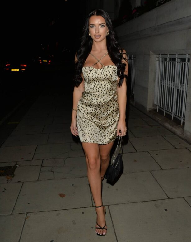 Amy Day - Seen arriving at Novikov in Mayfair - London