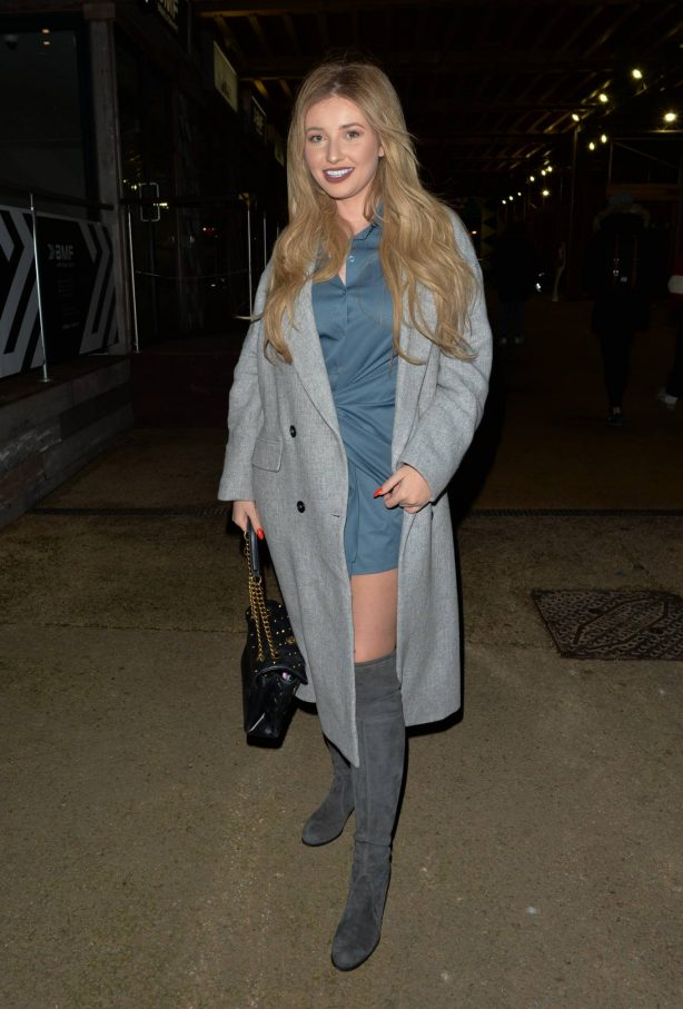Amy Hart - Out with friends at 29 restaurant in Battersea