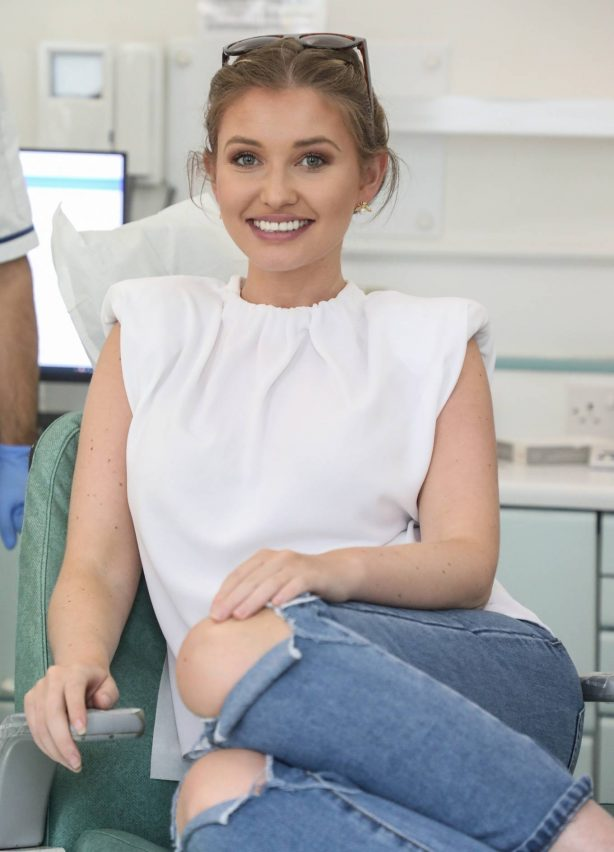 Amy Hart - Visiting celebrity dentist Dr Richard Marques in London