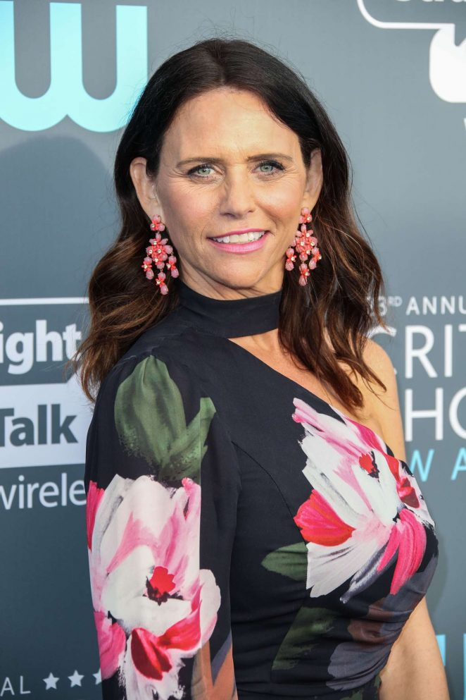 Amy Landecker - Critics' Choice Awards 2018 in Santa Monica