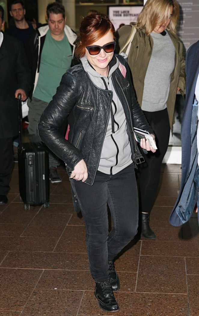 Amy Poehler - Arrives at Airport in Sydney