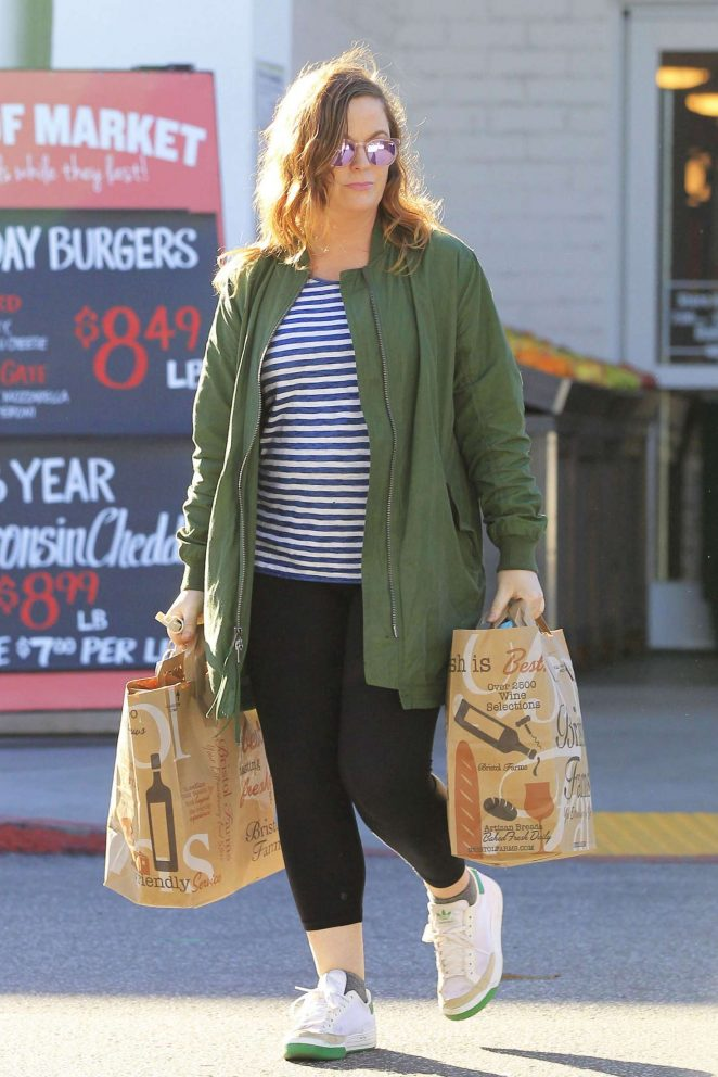 Amy Poehler: Shopping at Bristol Farms -02
