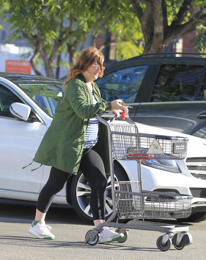 Amy Poehler: Shopping at Bristol Farms -05