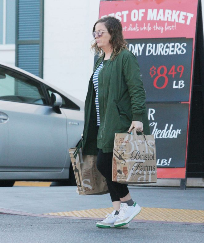 Amy Poehler: Shopping at Bristol Farms -06