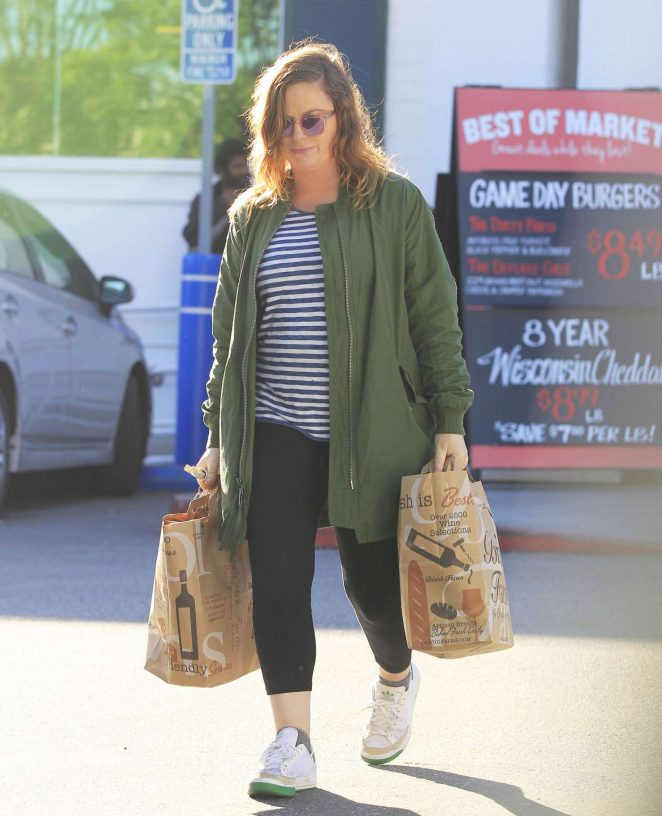 Amy Poehler: Shopping at Bristol Farms -08