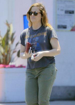 Amy Poehler - Shopping in Beverly Hills