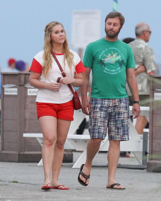 Amy Schumer and Rory Scovel out in Salisbury