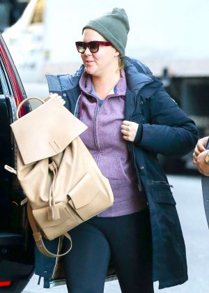 Amy Schumer - Arriving at the Mandarin Oriental Hotel in New York