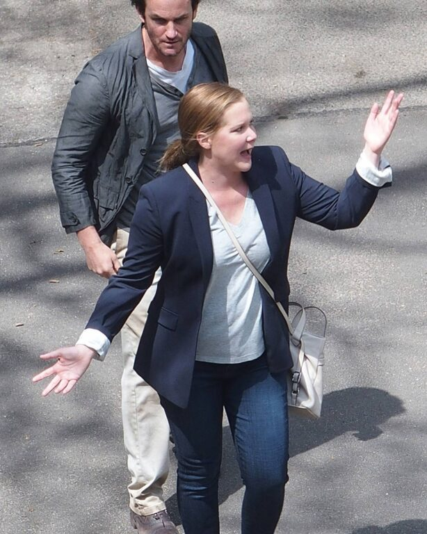 Amy Schumer - Filming 'Life and Beth' set in Riverside Park - New York