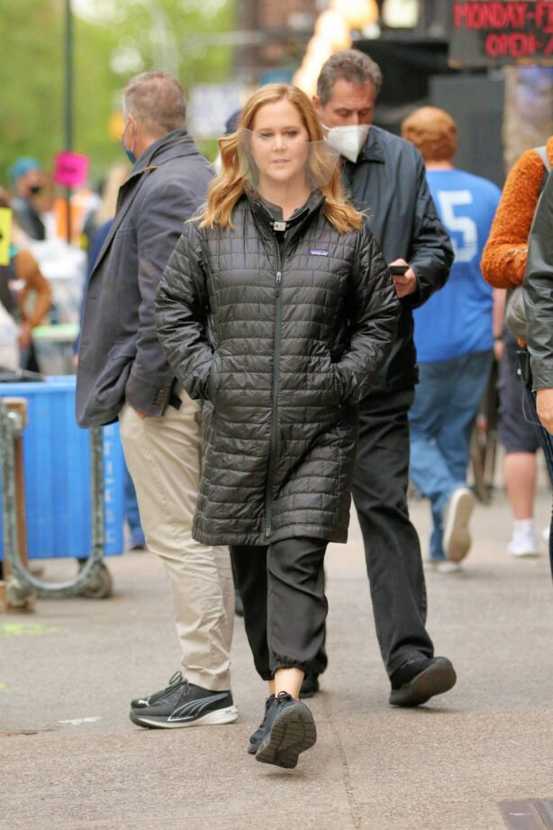 Amy Schumer - on the set of 'Life and Beth' in New York