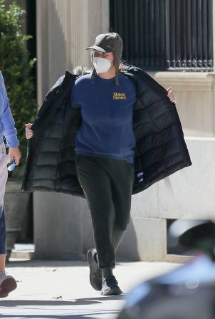 Amy Schumer - Spotted walking around in the Upper West Side in New York
