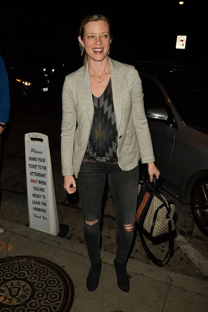 Amy Smart - Having Dinner at Craig's in West Hollywood