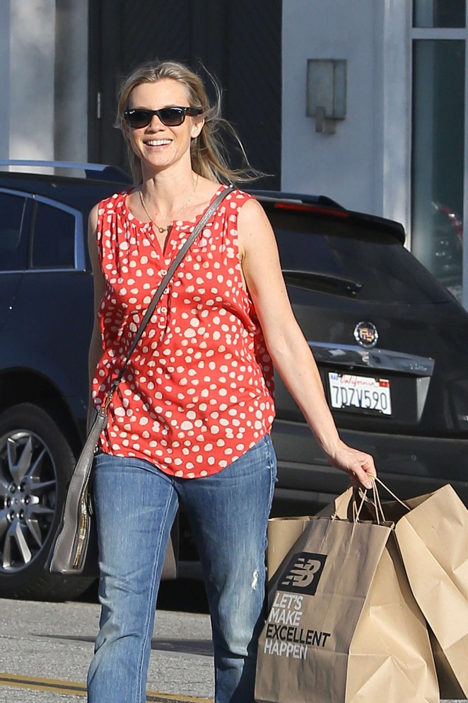 Amy Smart Shopping at New Balance in LA