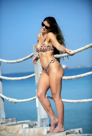 Amy Willerton - Bikini candids at a Beach in Dubai