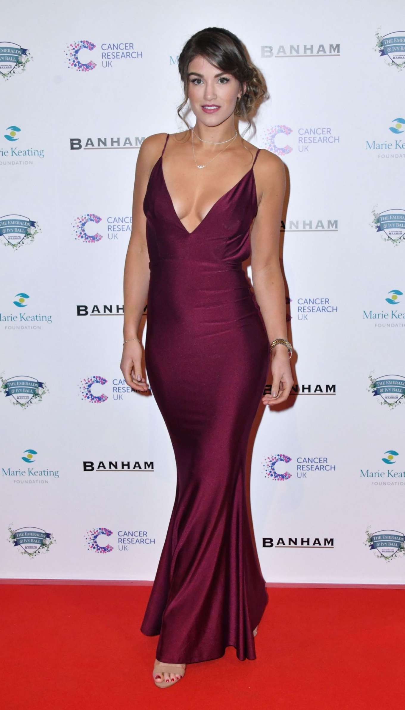 Amy Willerton 2017 : Amy Willerton: Emeralds and Ivy Ball 2017 -01