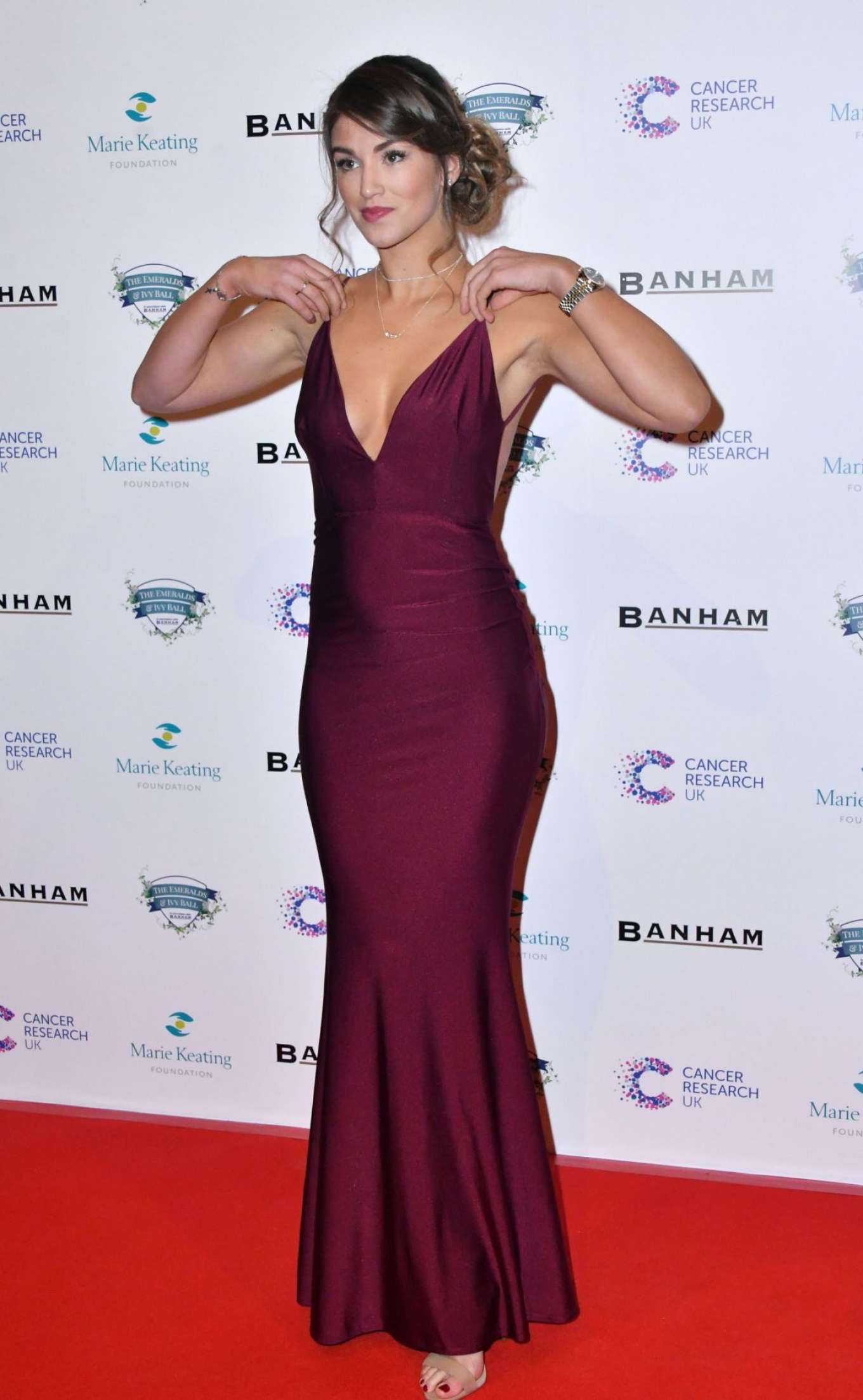 Amy Willerton 2017 : Amy Willerton: Emeralds and Ivy Ball 2017 -08