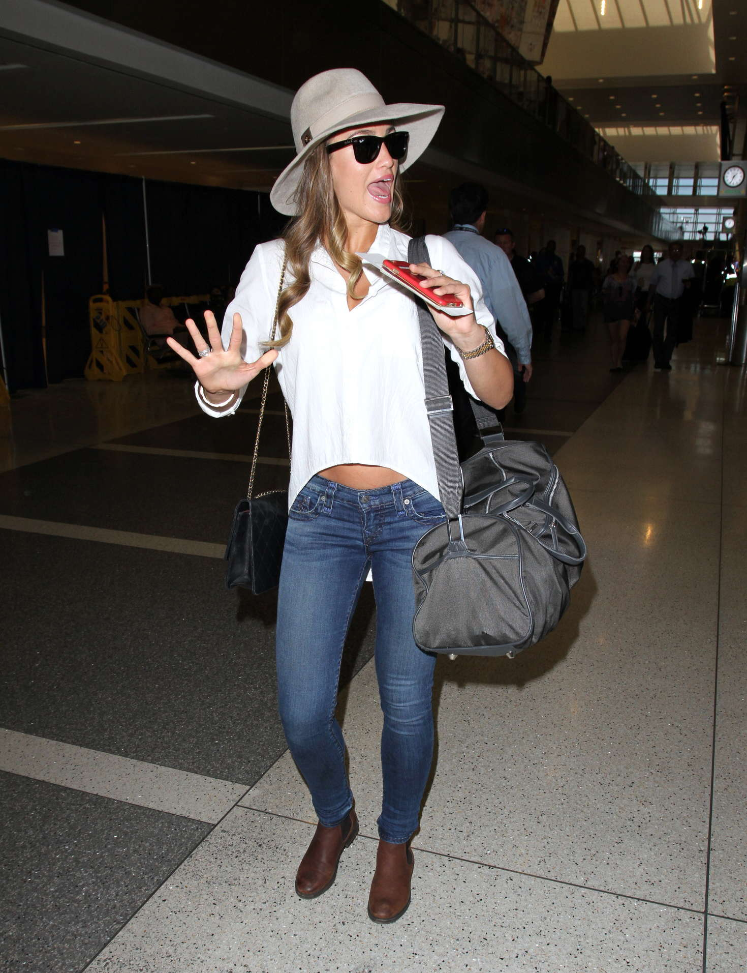 Amy Willerton 2016 : Amy Willerton in Jeans at LAX Airport -15