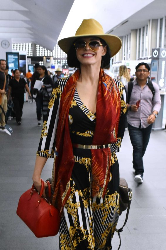 Ana Barbara - Arriving at Mexico City International Airport