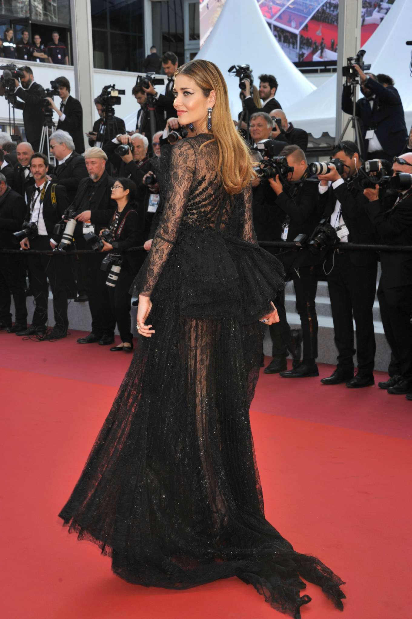 Ana Beatriz Barros 2019 : Ana Beatriz Barros: The Traitor Premiere at 2019 Cannes Film Festival-03