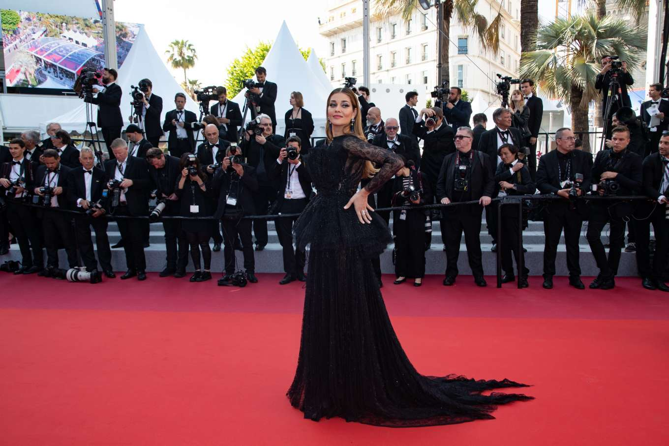Ana Beatriz Barros 2019 : Ana Beatriz Barros: The Traitor Premiere at 2019 Cannes Film Festival-06