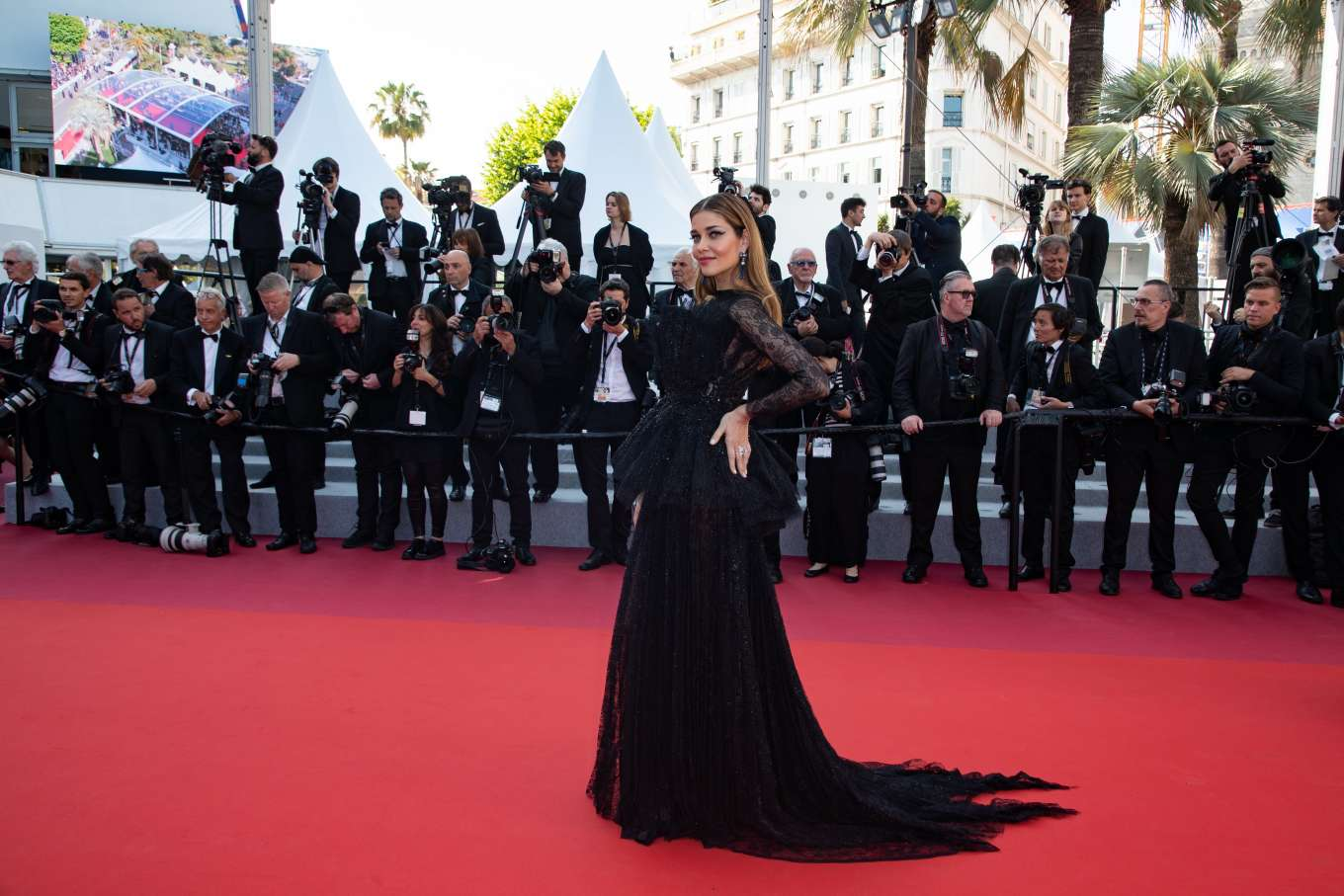 Ana Beatriz Barros 2019 : Ana Beatriz Barros: The Traitor Premiere at 2019 Cannes Film Festival-16