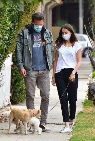 Ana De Armas and Ben Affleck - Out for a stroll in Venice - California