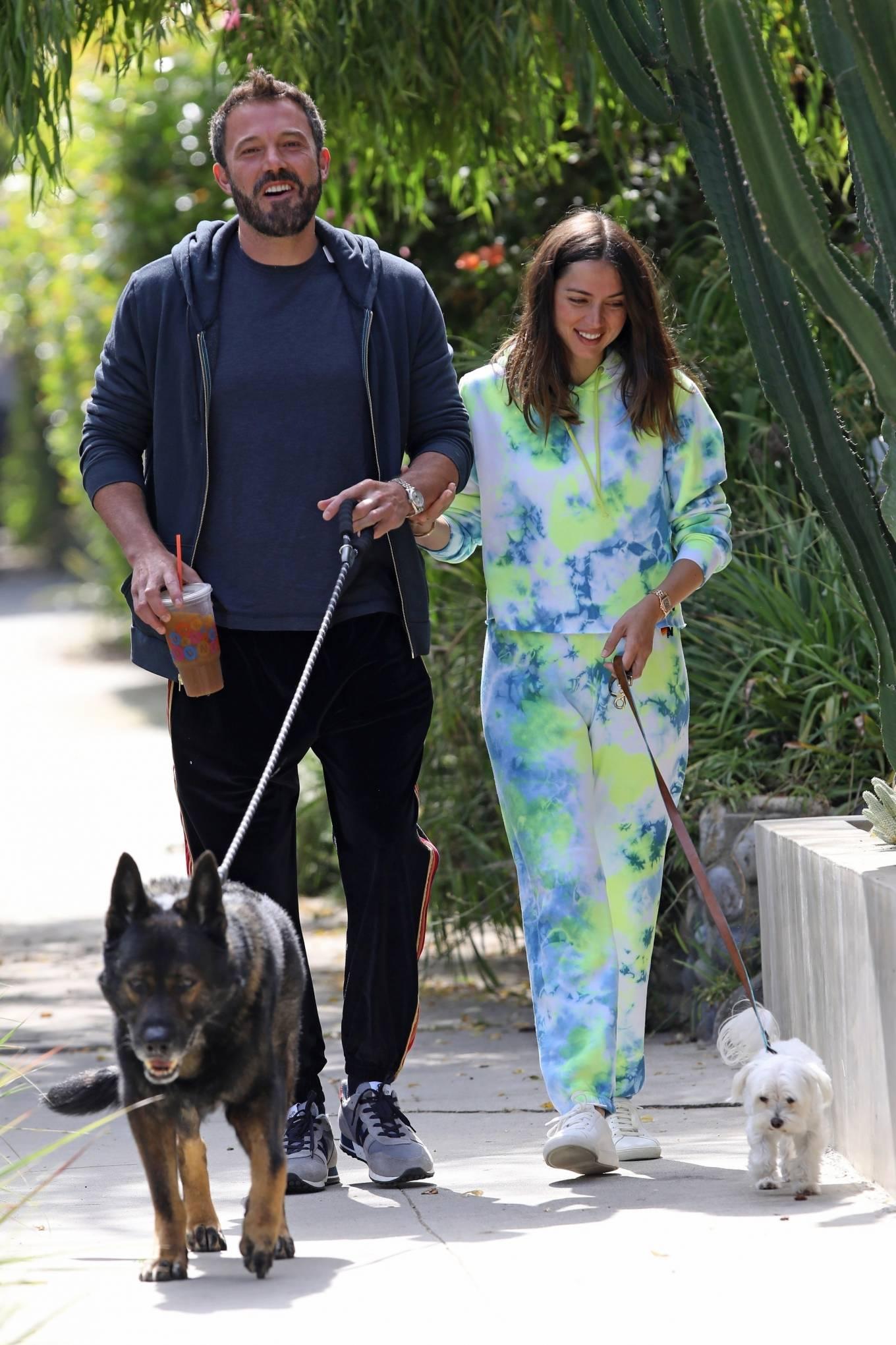 Ana de Armas 2020 : Ana De Armas and Ben Affleck – Taking their dogs for a stroll in Venice-03