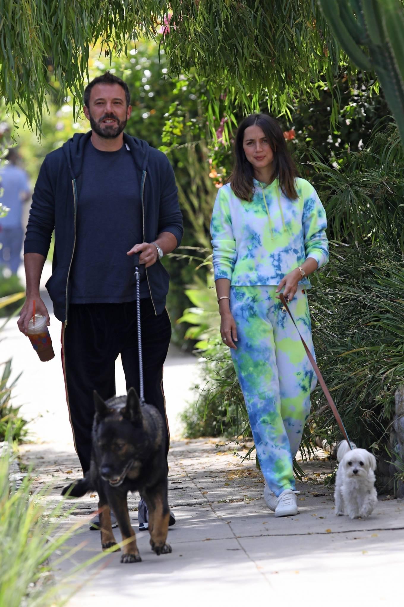 Ana de Armas 2020 : Ana De Armas and Ben Affleck – Taking their dogs for a stroll in Venice-07