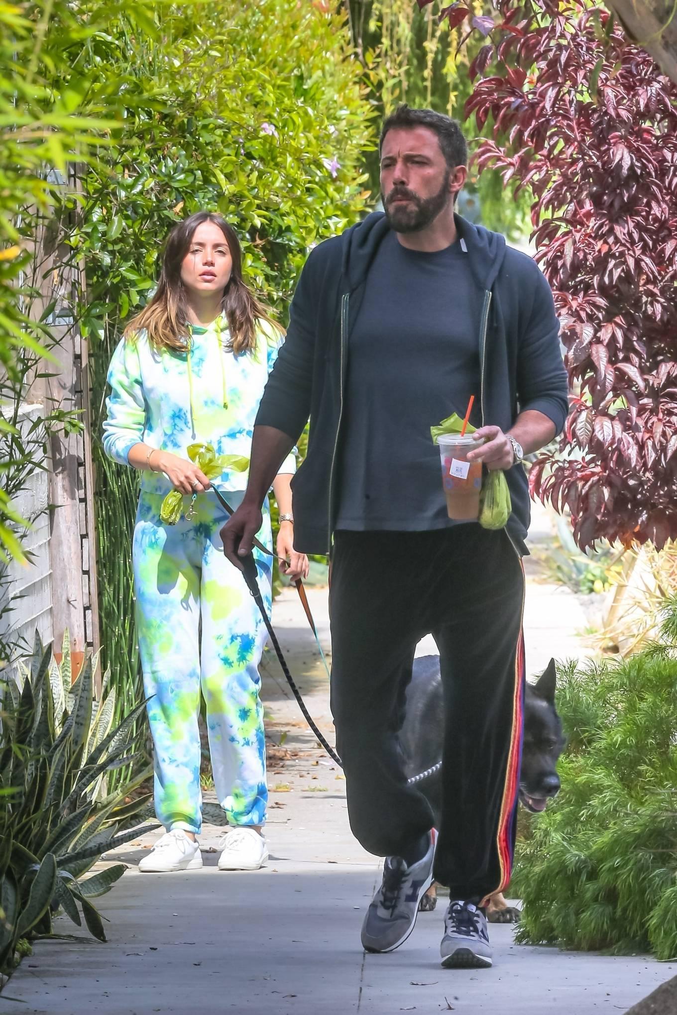 Ana de Armas 2020 : Ana De Armas and Ben Affleck – Taking their dogs for a stroll in Venice-09