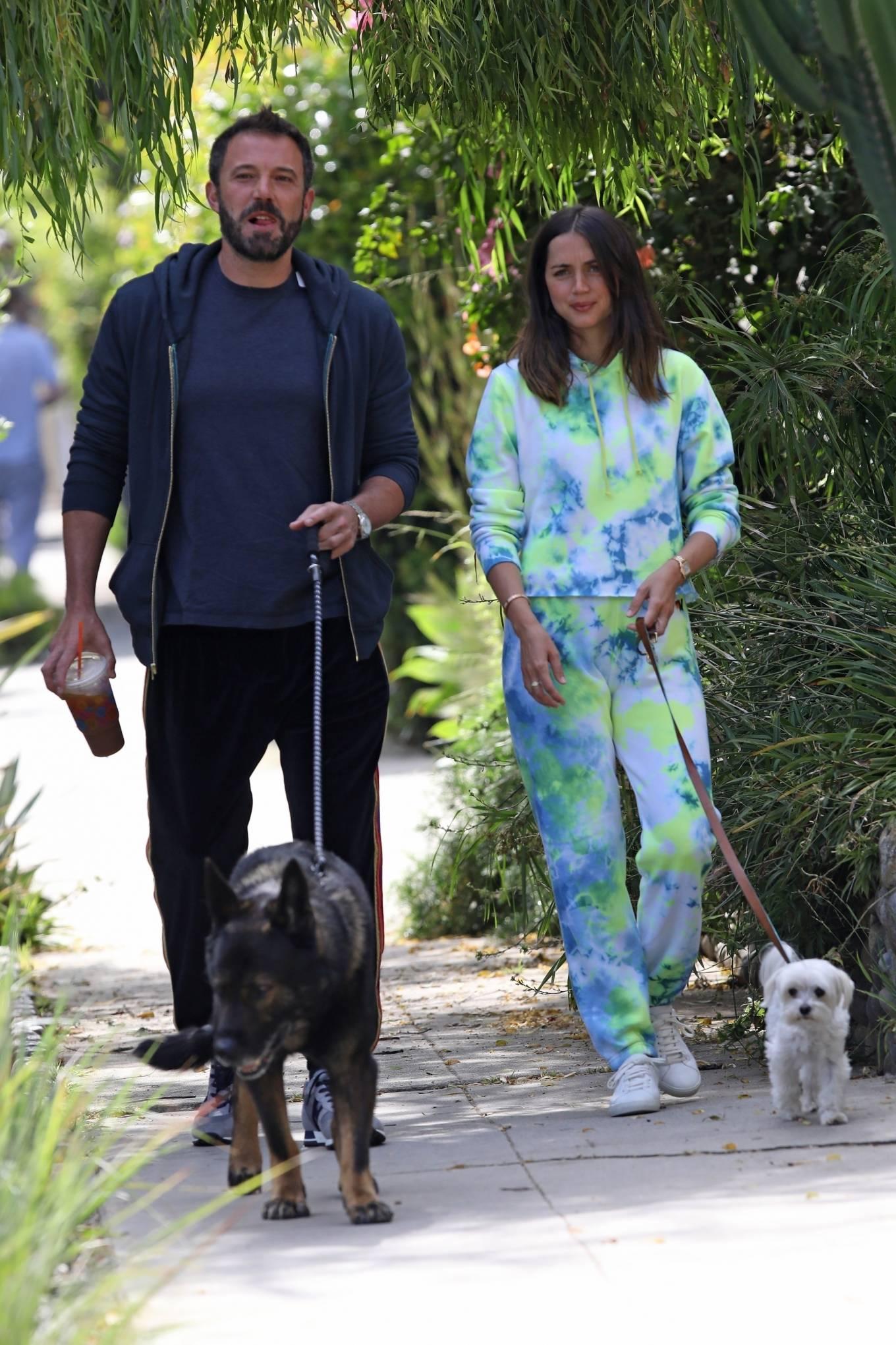Ana de Armas 2020 : Ana De Armas and Ben Affleck – Taking their dogs for a stroll in Venice-10