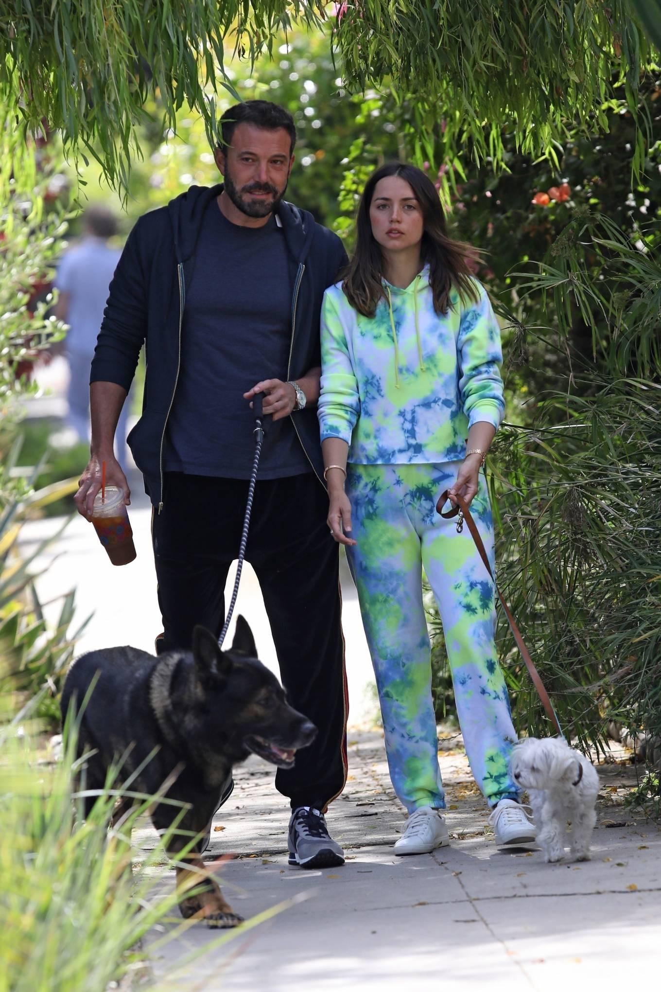 Ana de Armas 2020 : Ana De Armas and Ben Affleck – Taking their dogs for a stroll in Venice-13