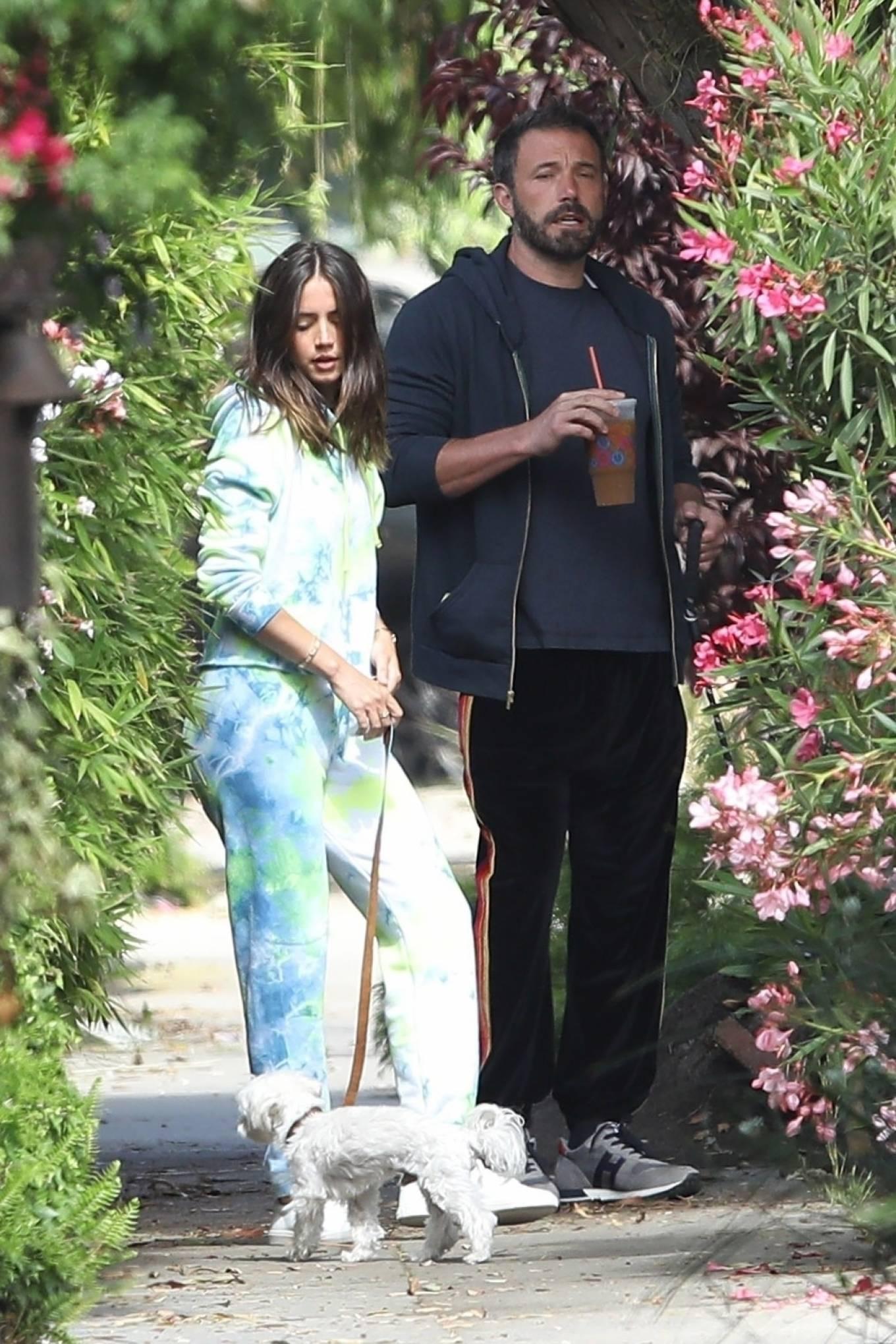 Ana de Armas 2020 : Ana De Armas and Ben Affleck – Taking their dogs for a stroll in Venice-15