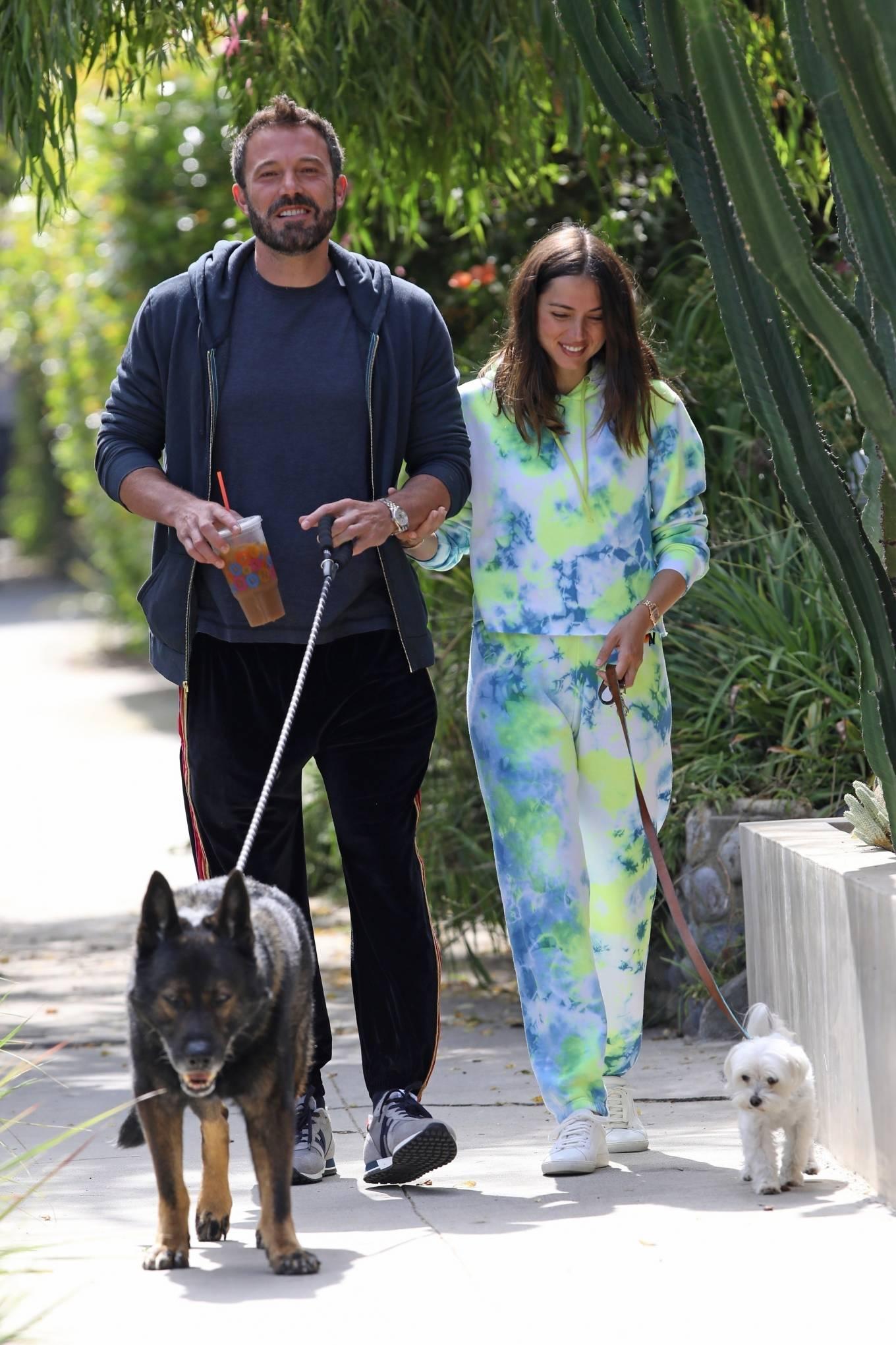 Ana de Armas 2020 : Ana De Armas and Ben Affleck – Taking their dogs for a stroll in Venice-19