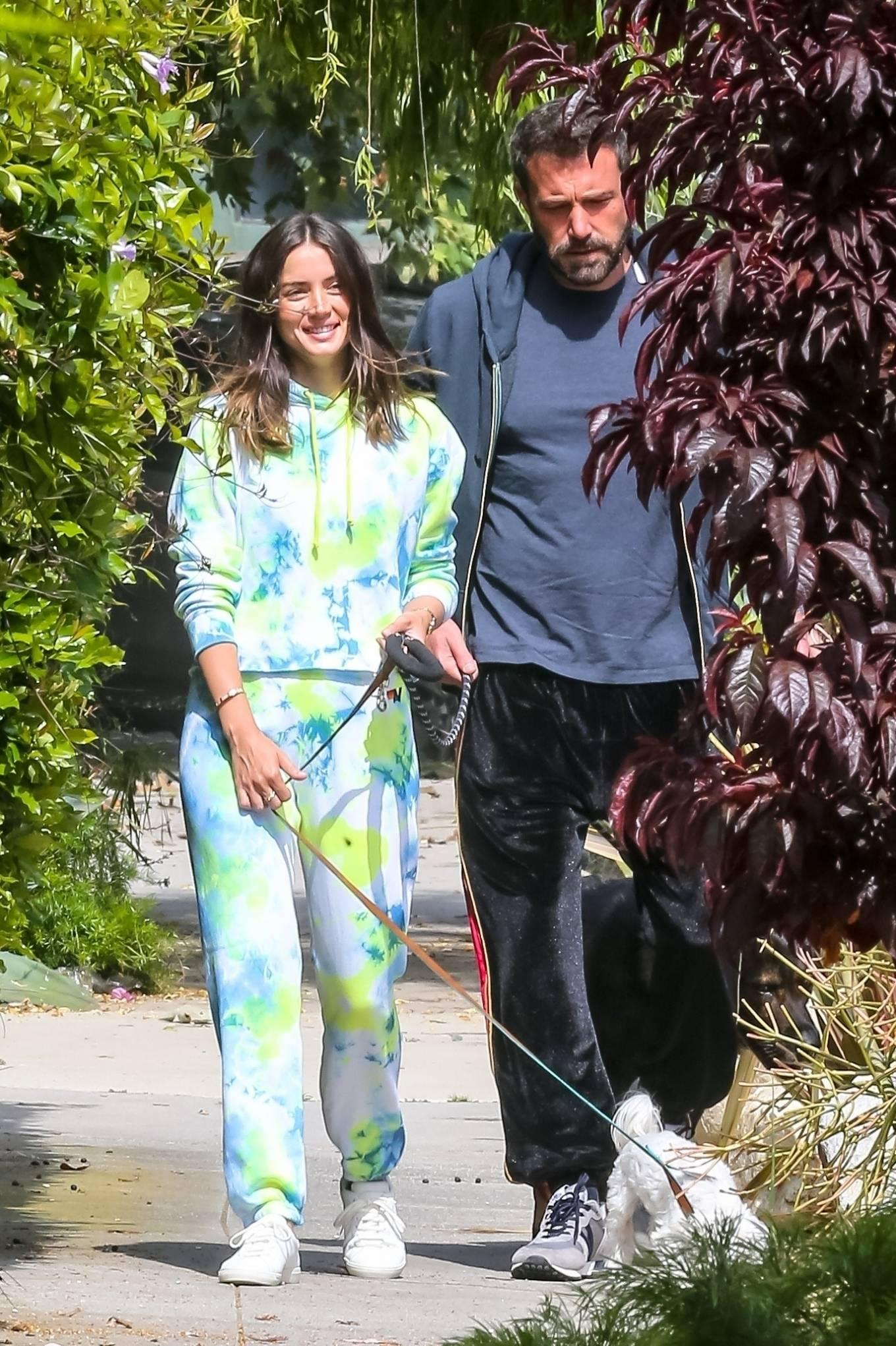 Ana de Armas 2020 : Ana De Armas and Ben Affleck – Taking their dogs for a stroll in Venice-20