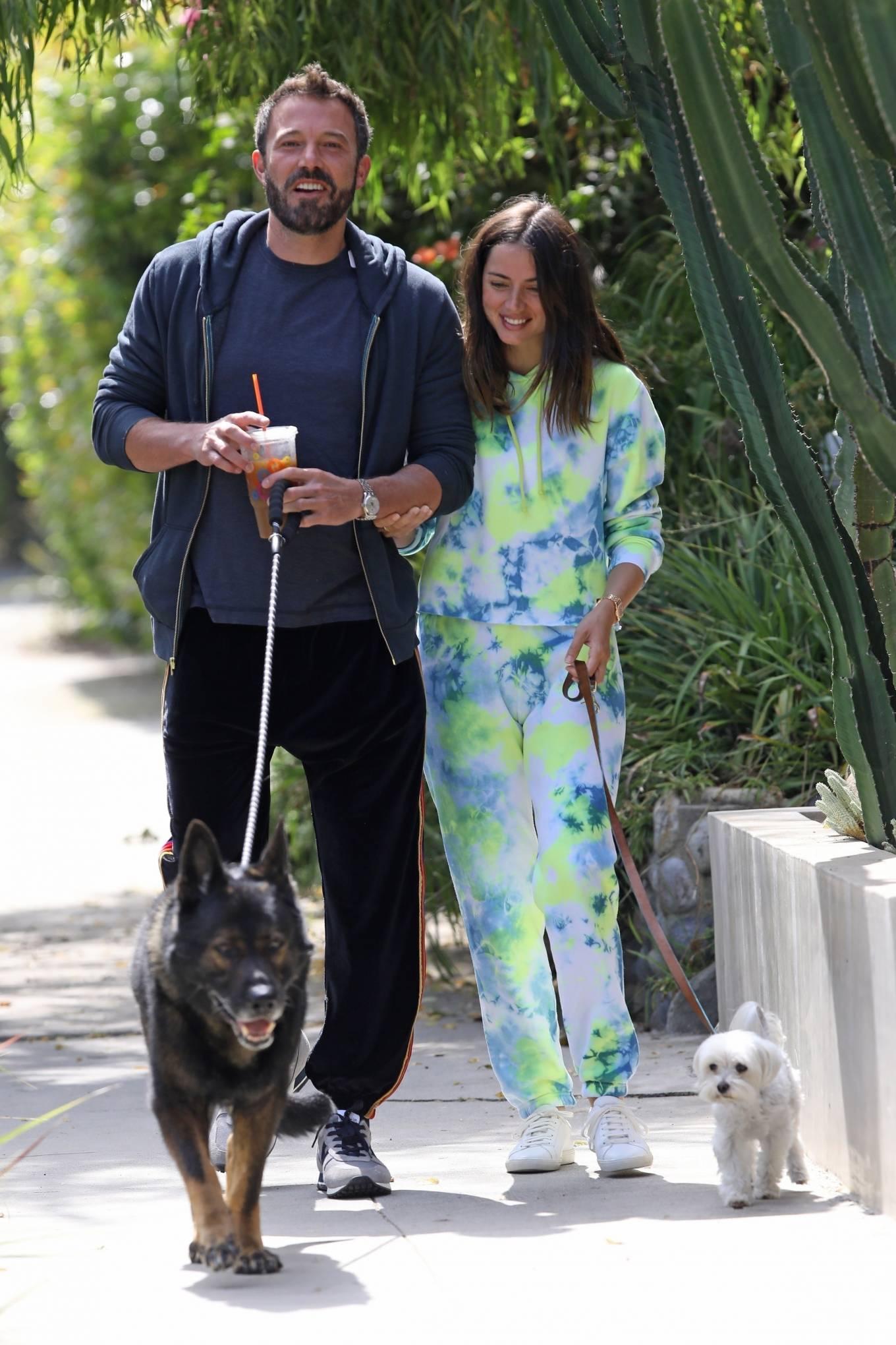 Ana de Armas 2020 : Ana De Armas and Ben Affleck – Taking their dogs for a stroll in Venice-21